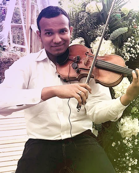 Saúl Samir Salas profesor de violín en Solorock academia de música
