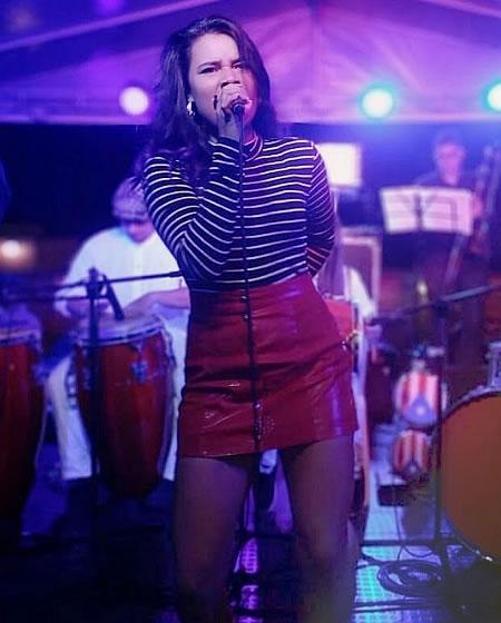 Sabrina Arenas profesora de canto Solorock Academia de Música